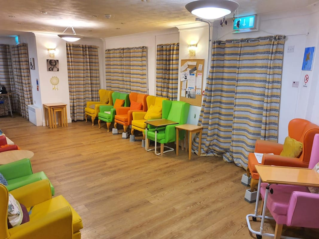 Professional Care Home Facilities & Benefits In Southampton, UK